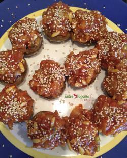 Receta Champiñones Rellenos de Salmón Marinado, Tomate y Piñones