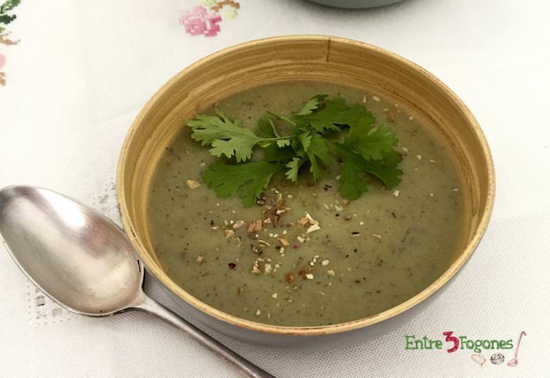 Receta Crema de Brócoli y Champiñones al Cilantro