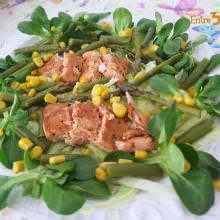Receta Ensalada de Salmón y Canónigos con Espárragos Verdes y Vinagreta de Mango