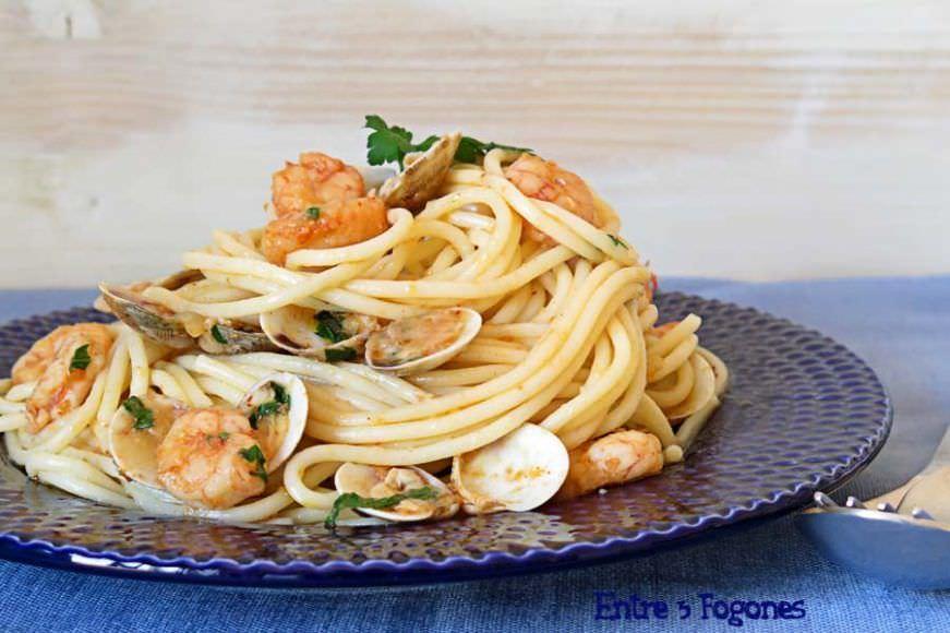 Receta Espaguetis con Gambas y Almejas