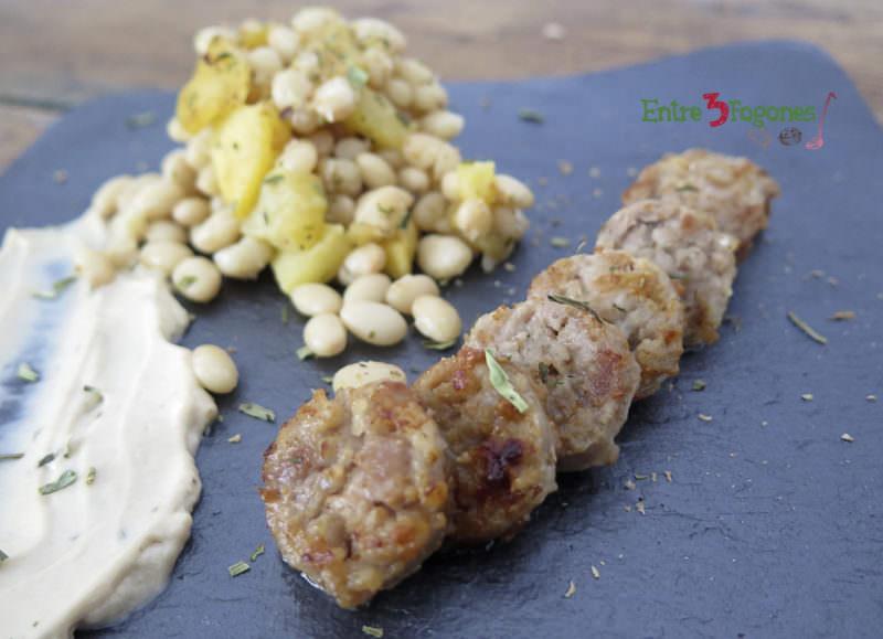 Receta Habichuelas Blancas con Salchicha Catalana y Mayonesa de Ajo Negro