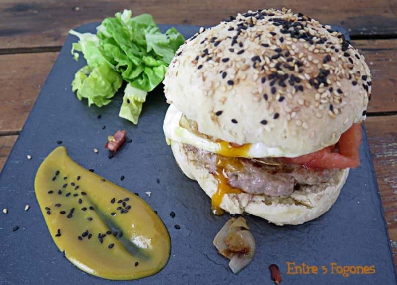 Receta Hamburguesa de Ternera Lechal con Pan Casero al Sésamo