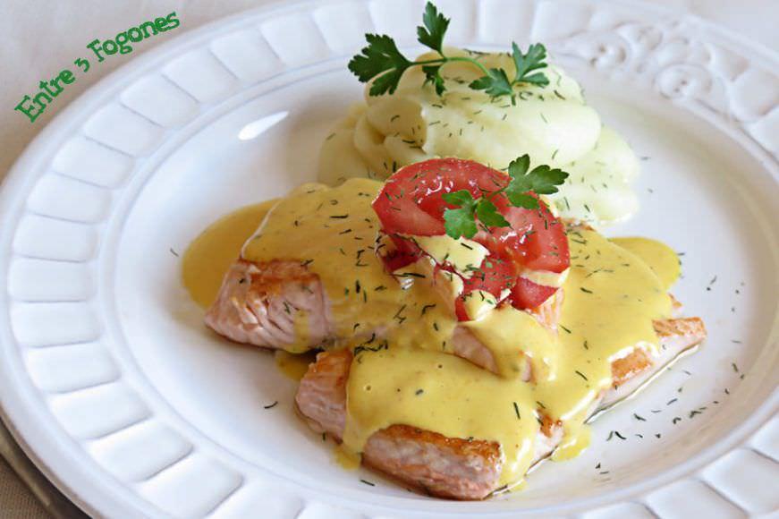 Receta Lomos de Salmón en Salsa Holandesa Suave