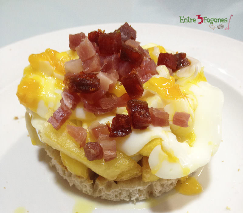 Receta Montadito de Patatas Alargadas con Huevo Roto y Jamón