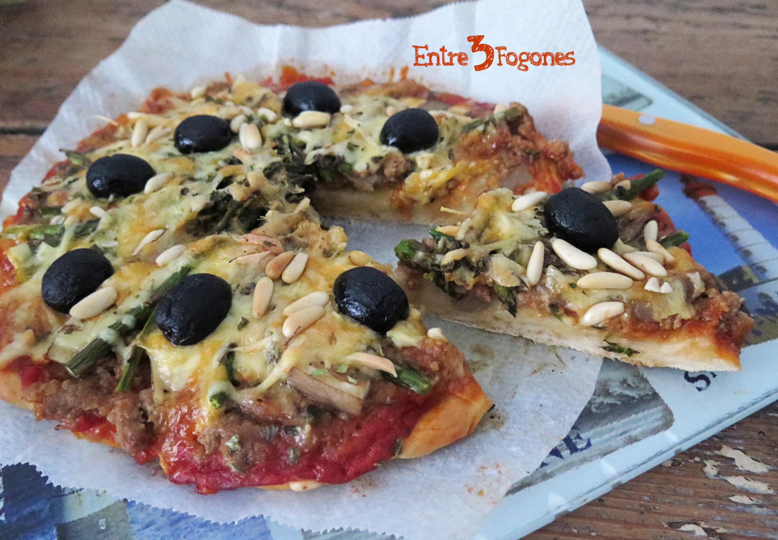 Receta Pizza Boloñesa con Setas y Espárragos Verdes