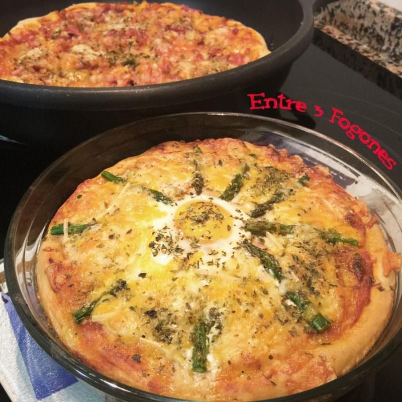 Receta Pizza de Salmón con Espárragos y Huevo