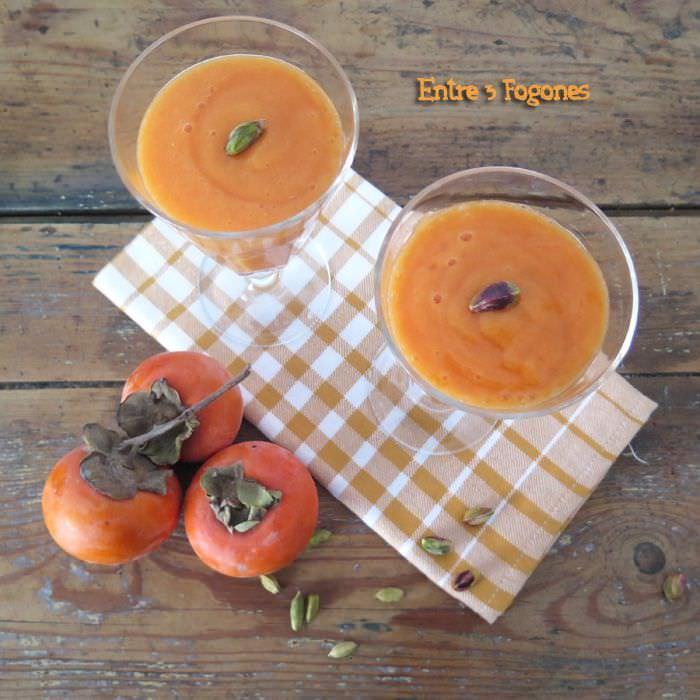 Receta Smoothie de Caqui y Mandarina con Pistachos