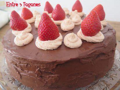 Tarta de Cumpleaños de Chocolate y Fresas