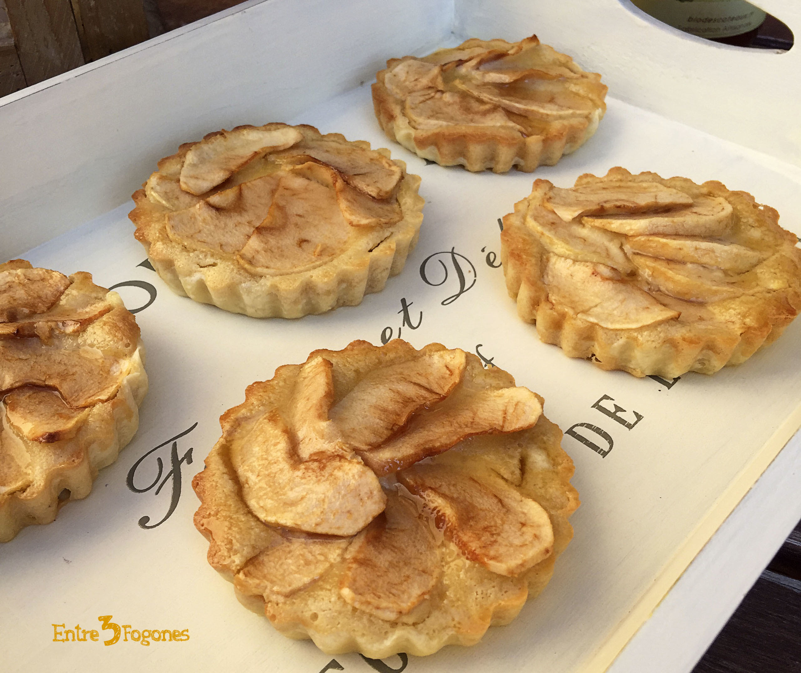 Photo of Tartaletas de Manzana Reineta con Frangipane al Amaretto