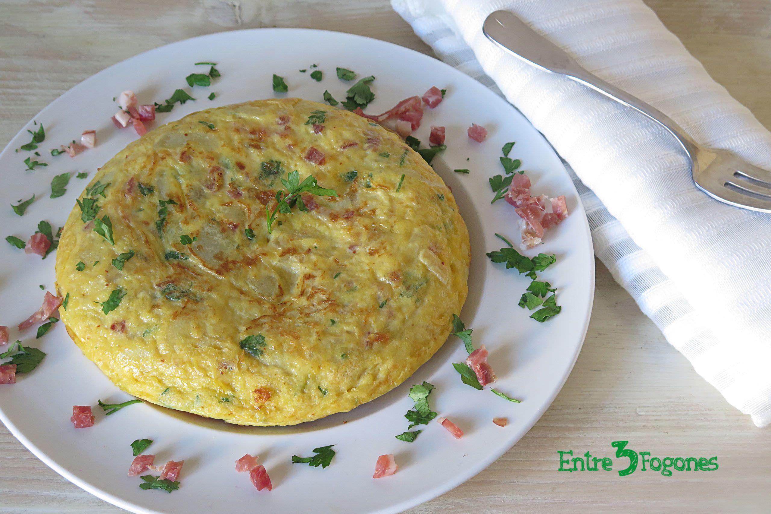 Tortilla de Patatas con Jamón Serrano