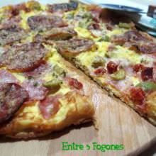 Tortilla Pizza con Embutido
